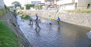 社内安全大会 沼川の清掃